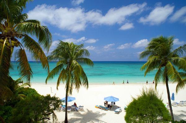 Lacovia, Grand Cayman